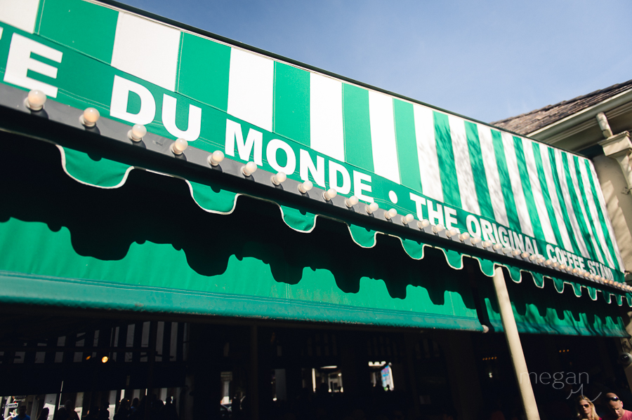 cafe du monde awning in new orleans